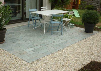 terrasse-avec-pavés-gris-1-400x284