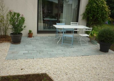 terrasse-avec-pavés-gris-4-400x284