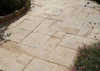 terrasse-en-dalles-béton-immitation-pierre-400x284