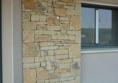 plaquage-pierre-sur-mur-400x284